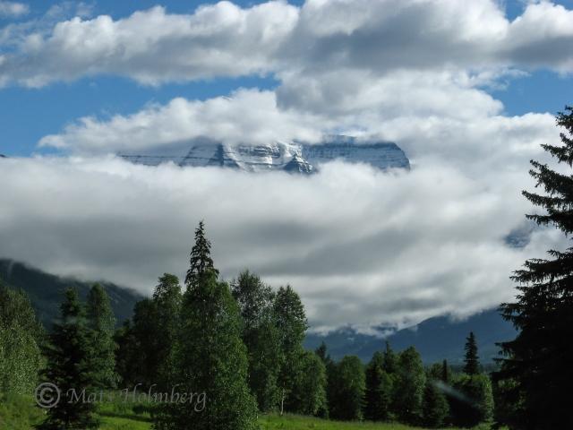 Foto Mats Holmberg Del av Klippiga bergen i moln